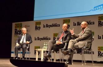 """Letta: """"Bossi-Fini va abolita""""     video      missione sicurezza  nel Mediterraneo  vd   Schulz: legalizzare immigrazione  video        Mauro consegna le firme al premier   vd"""