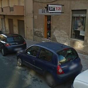 Cagliari, lite in centro scommesse:  titolare ucciso a colpi di pistola