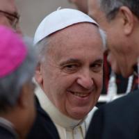 """Francesco ad Assisi: """"Senza spogliarci, diventeremmo cristiani di pasticceria"""""""
