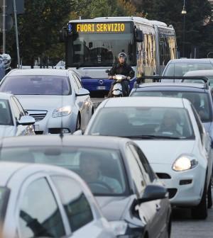 Trasporto pubblico, oggi lo stop: sindacati di base in corteo a Roma