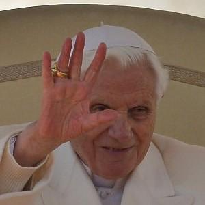 """Ratzinger """"inedito"""", il racconto del segretario del Papa"""