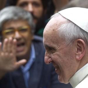 """Papa, """"Pace con i luterani"""". Nuovo monito contro la cupidigia"""