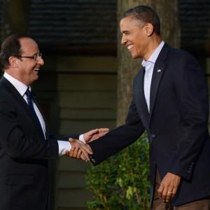 """Datagate, Obama chiama Hollande: """"Notizie distorte ma cambieremo"""""""
