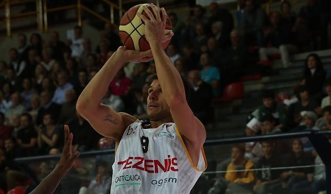 """Basket, il dottor Carraretto tra canestri e finanza: """"Ma per ora preferisco giocare"""""""