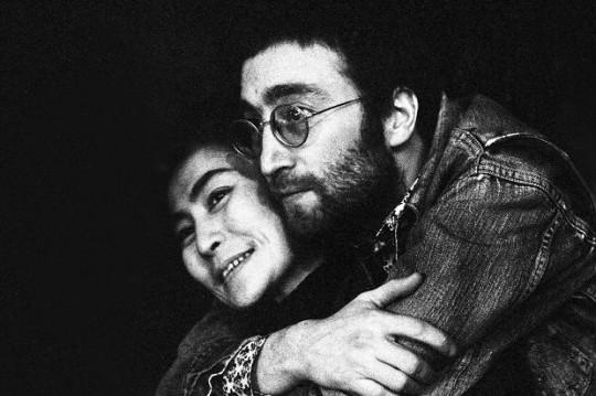 """Beatles, McCartney: """"Non fu lei a causare la rottura"""". Dopo un anno Yoko ringrazia"""