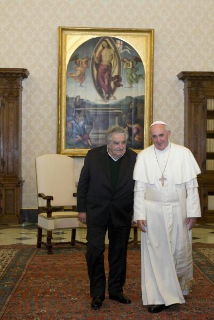 """Marijuana di Stato, aborto e nozze gay in Uruguay: la rivoluzione di """"Pepe"""" Mujica 111458197-882db3fa-0951-4005-8436-aaa1aba15ace"""