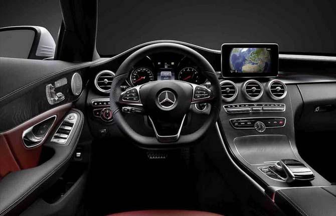 Anteprima mercedes ecco l 39 hi tech della nuova classe c for Mercedes classe b interieur