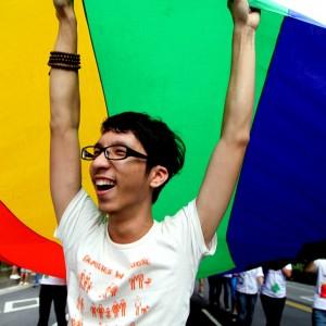 """Suicidio gay, l'allarme delle associazioni: """"Basta promesse, servono aiuti concreti"""""""
