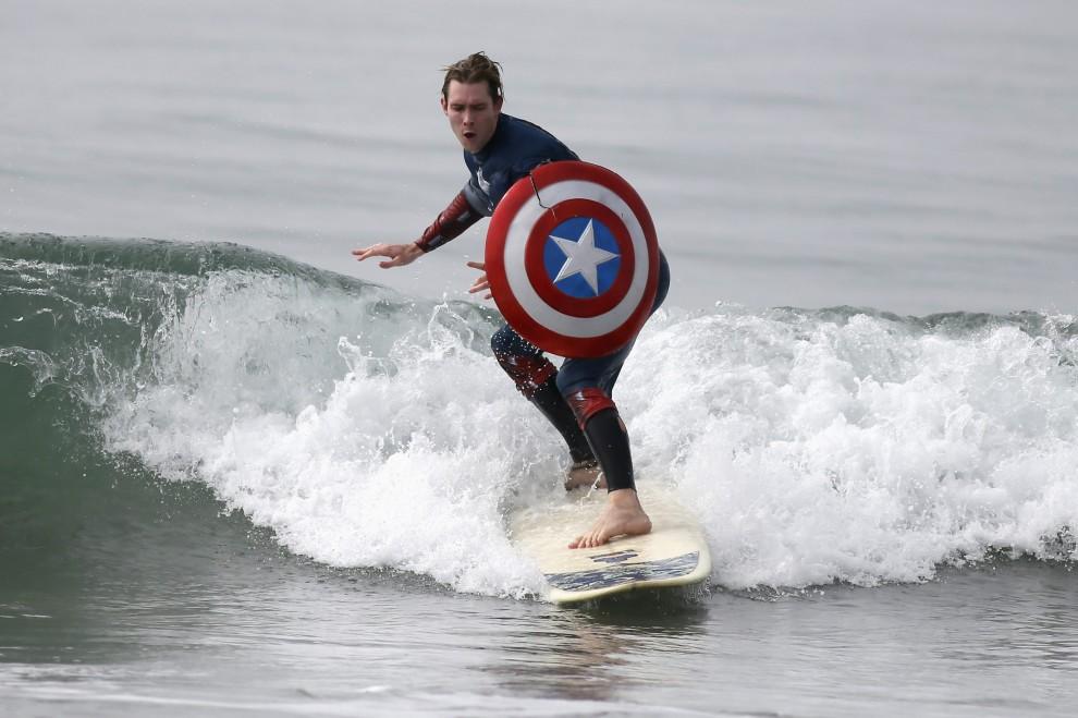 California mostri e supereroi sulle tavole da surf - Tavole da surf decathlon ...