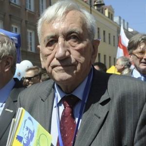 E' morto Mazowiecki, traghettò la Polonia alla democrazia