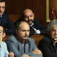 Beppe Grillo in aula per seguire la seduta del Senato