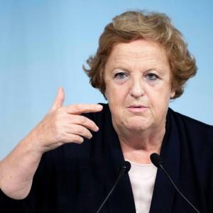 """Cancellieri ai Ligresti: """"Contate su di me per Giulia"""". Alfano solidale. Ma scoppia la polemica. M5s: """"Si dimetta"""""""