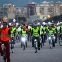 Bici in città, dall'Anci una proposta rivoluzionaria: il veicolo più forte avrà l'onere della prova