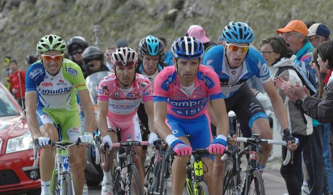 Ciclismo, Nibali ha uno scudiero di lusso: Scarponi firma per l'Astana