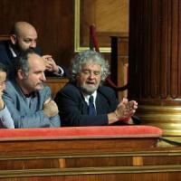 """Grillo contro Scalfari: pennivendolo delirante. """"Cane da combattimento inviato dal Sistema"""""""