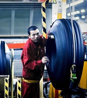 Pirelli spinge sulla riduzione del debito portando gli investimenti a 1,6 miliardi