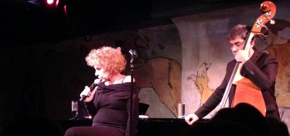 Ornella Vanoni conquista il Carlyle Cafè, <br />il locale dove Woody Allen è di casa