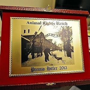 """Federfauna celebra il """"premio Hitler"""" contro gli animalisti. Pavoncello: """"Va impedito"""""""