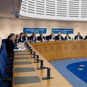 """Corte Strasburgo: """"Unioni civili aperte a tutti"""". Grecia condannata per discriminazione gay"""