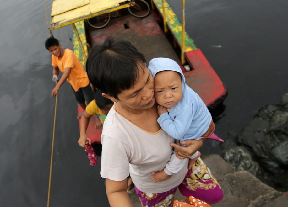 Filippine, evacuazioni di massa per l'arrivo del tifone Haiyan
