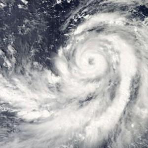 """Ciclone, uragano o tifone: tanti nomi, ma la """"bomba"""" è la stessa"""