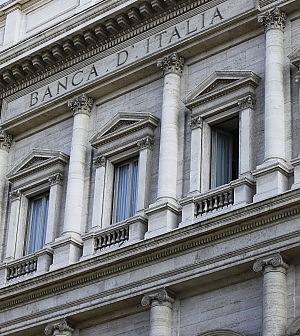 Calano i prestiti alla famiglie, aumentano i tassi d'interesse