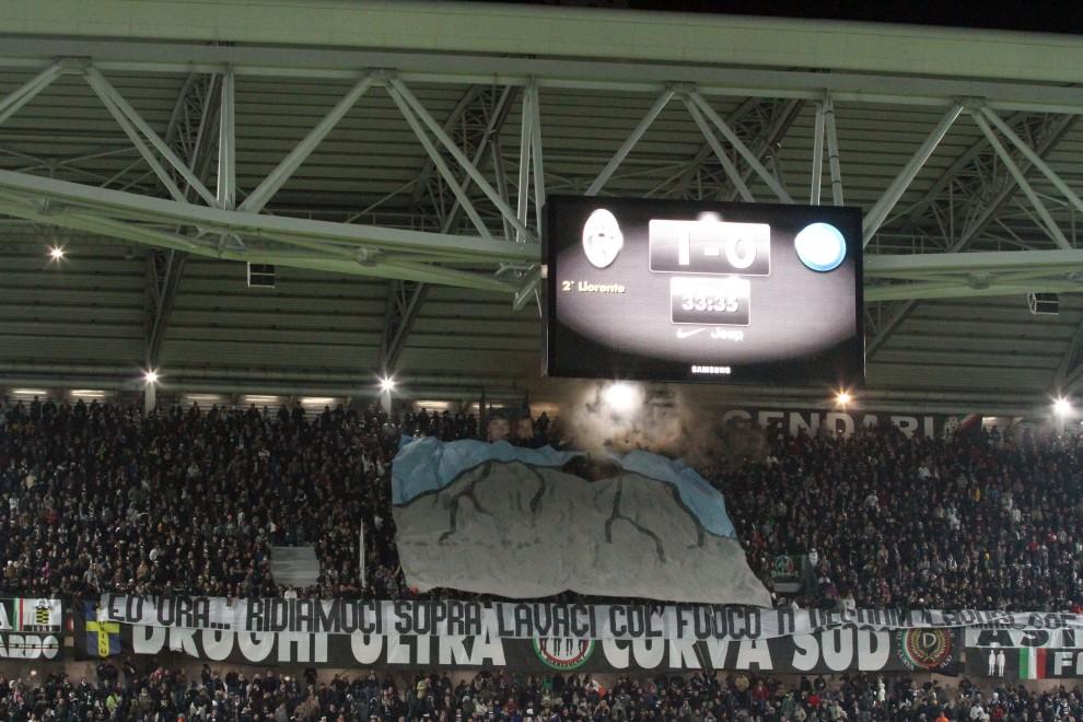 Juventus, gli striscioni razzisti nella curva Scirea