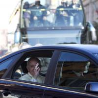 L'auto blu è un'utilitaria: Papa Francesco verso il Quirinale