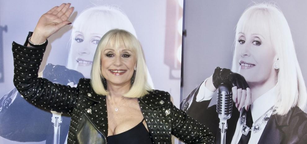 """""""Replay"""", Raffaella Carrà: """"Faccio ballare l'Italia e vado a Sanremo da Fazio"""""""