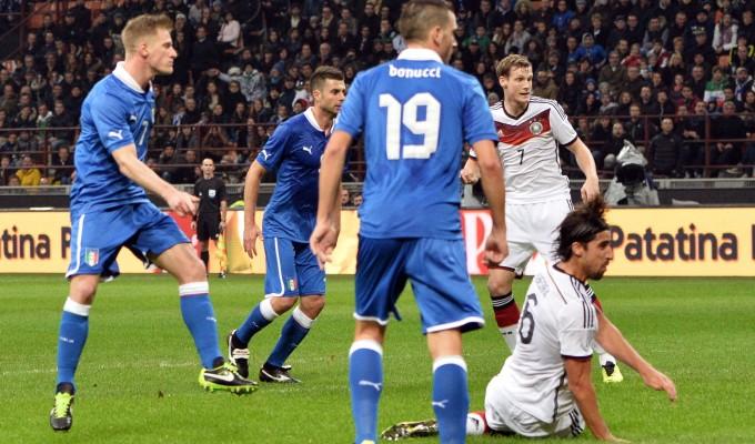 Italia-Germania 1-1: tre pali salvano gli azzurri
