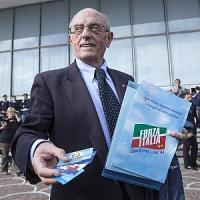 """Nella pancia della nuova Forza Italia: il giorno della """"felicità triste"""""""