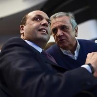 """Nuovo centrodestra, Alfano: """"Non aderire a Forza Italia è scelta dolorosa e amarissima"""""""