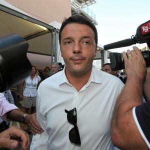 Congresso Pd, Renzi vince tra gli iscritti e stacca Cuperlo di otto punti