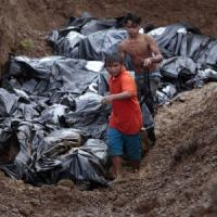 Filippine, ora è anche emergenza sanitaria: si rischia la diffusione di epidemie