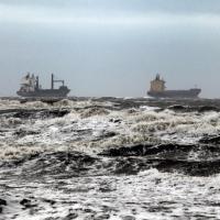 Sardegna colpita dal maltempo: la mareggiata a Cagliari
