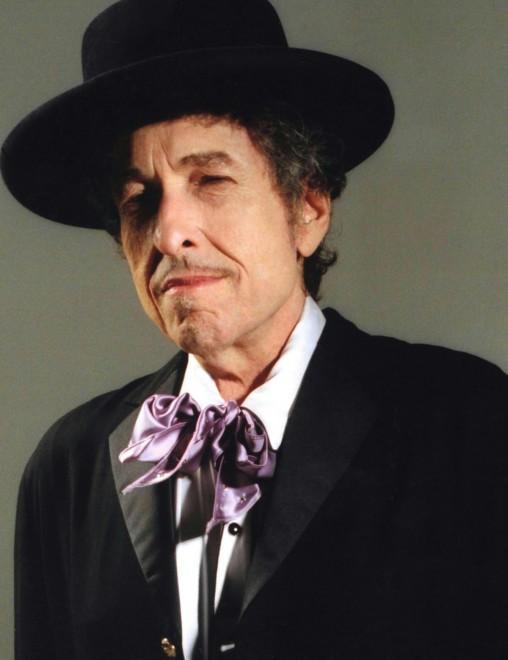 Bob Dylan, l'omaggio è tutto per l'America di Frank Sinatra