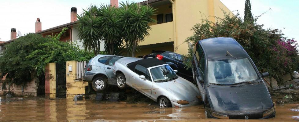 Sardegna, il maltempo fa strage: 16 morti, oltre 2mila sfollati. Dichiarato lo stato di emergenza