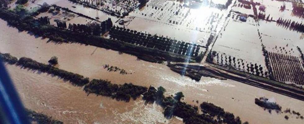 """Sardegna, il giorno dei funerali. Si cerca ancora un disperso. """"A rischio potabilità dell'acqua"""""""