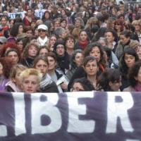 Lunedì 'sciopero' delle donne: in migliaia in tutta Italia per dire no alla violenza