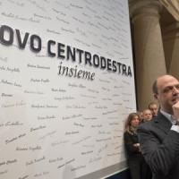 """Decadenza, Alfano: """"Non saremo a manifestazione"""". E propone un patto a Renzi"""