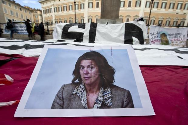 Stamina, manifestanti tentano irruzione a Montecitorio<br />