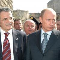 """Prodi aiuterà Putin a organizzare il G8. """"Russia tornata protagonista con mediazione su Siria"""""""