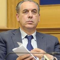 Stabilità, 750 mln per la casaI soldi dei partiti per le calamità