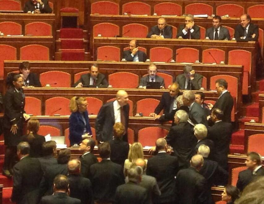 Decadenza Berlusconi: Bondi e Formigoni, scontro in aula