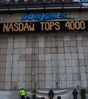 Torna l'euforia sui titoli Internet: Nasdaq a 4000, rischio nuova bolla
