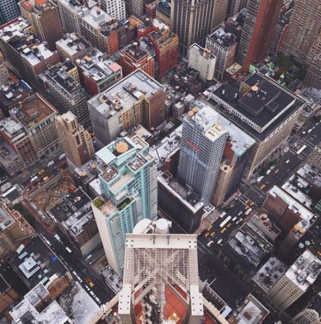 Com'è bella Manhattan dall'alto, il fotografo scala i grattacieli