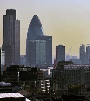"""Londra invasa da italiani e spagnoli.<br />Cercano lavoro, ma gli inglesi: """"Pigs here"""""""