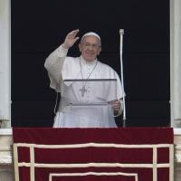 """Aids, il Papa: """"Cure accessibili a tutti.Prego per malati, medici e"""