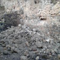 Pompei, crolla muro di bottega negli scavi