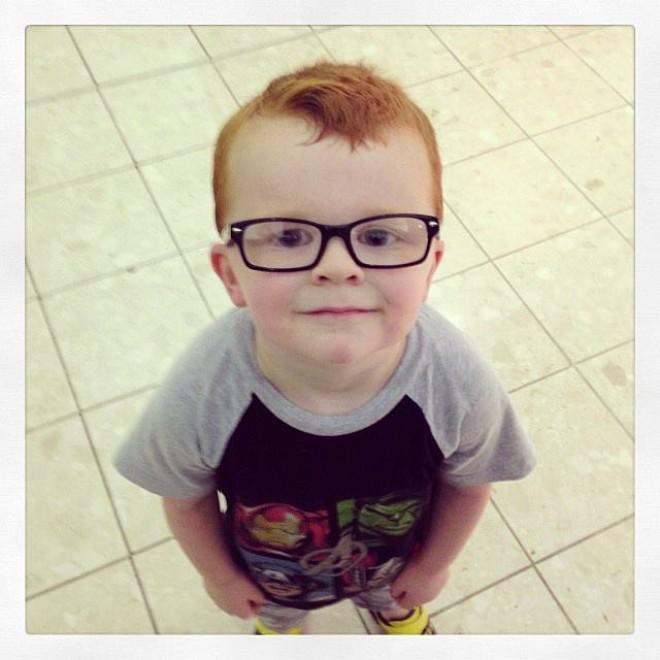 Noah non vuole gli occhiali, migliaia di foto su FB per incoraggiarlo